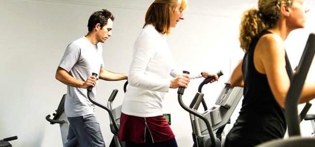 Чем отличаются тренировки на эллиптическом тренажере у мужчин и женщин